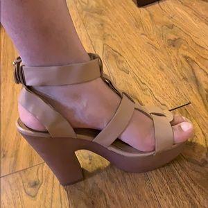 Shoes - Wedge heel